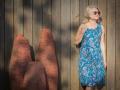 Sukienka midi - niebieska we wzory